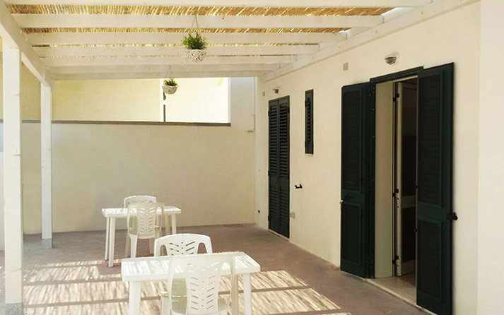 b&blazolfara-salento-vacanze-foto-struttura-giardino-costa-adriatica-roca-vecchia-03